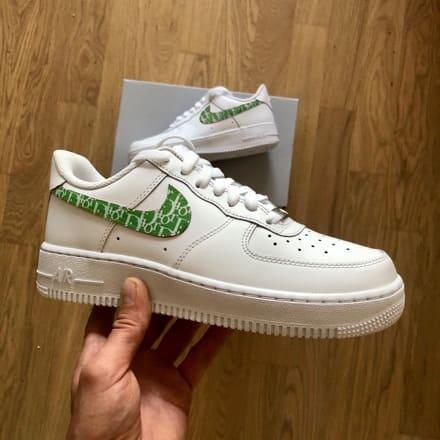 tritt-kunst custom sneakers custom-nike-air-force-green-dior-swoosh