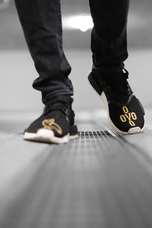 custom sneaker adidas nmd r1 ovo
