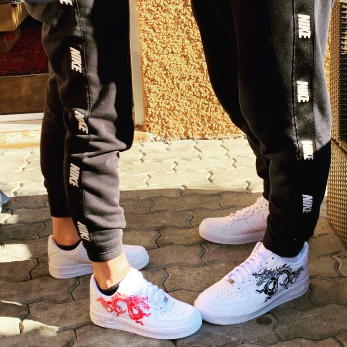 custom sneaker nike air force red and black dragon