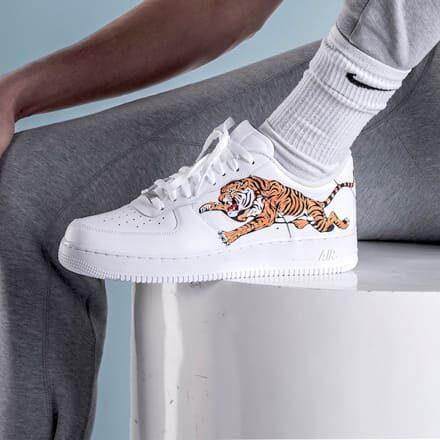 tritt-kunst custom sneakers Nike air force tiger custom