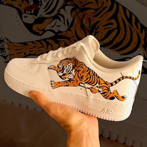 custom sneaker nike air force tiger