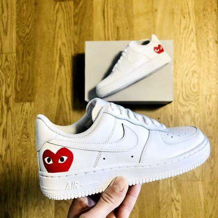 tritt kunst custom sneakers nike-air-force-red-cdg-custom