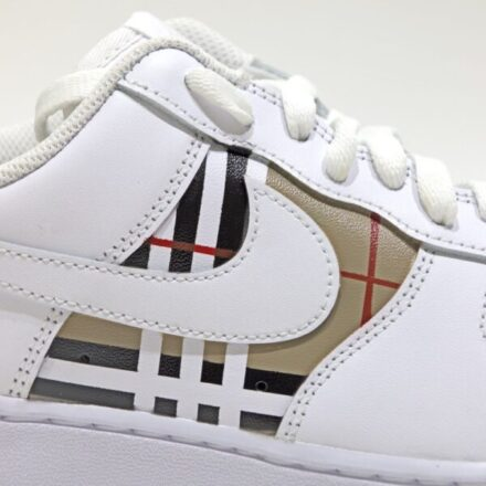tritt-kunst Custom Sneaker nike air force burberry custom