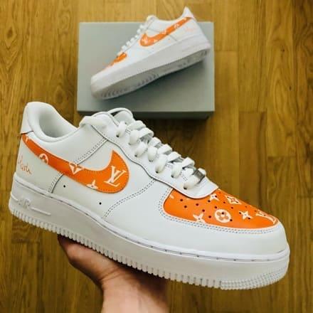 tritt-kunst custom sneakers custom-nike-air-force-orange-lv