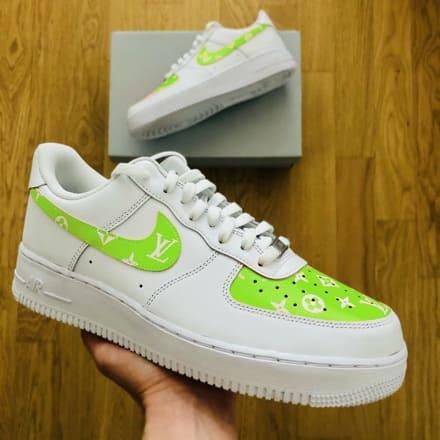 tritt-kunst custom sneakers custom-nike-air-force-volt-lv